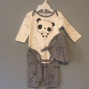 First impression 0-3 mo 3 piece outfit panda print